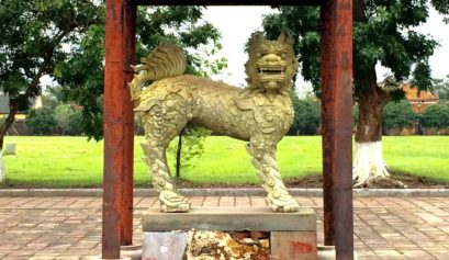 Tour of Nguyen Palace near Danang, History of Central Vietnam's Forbidden City Palace